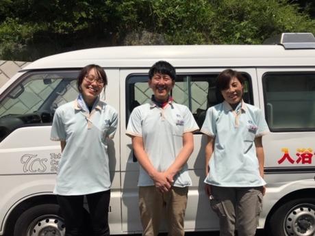 夜勤なし土日休み3人1組で訪問するので未経験でも安心正看護師の資格を活かして新しい道へ!